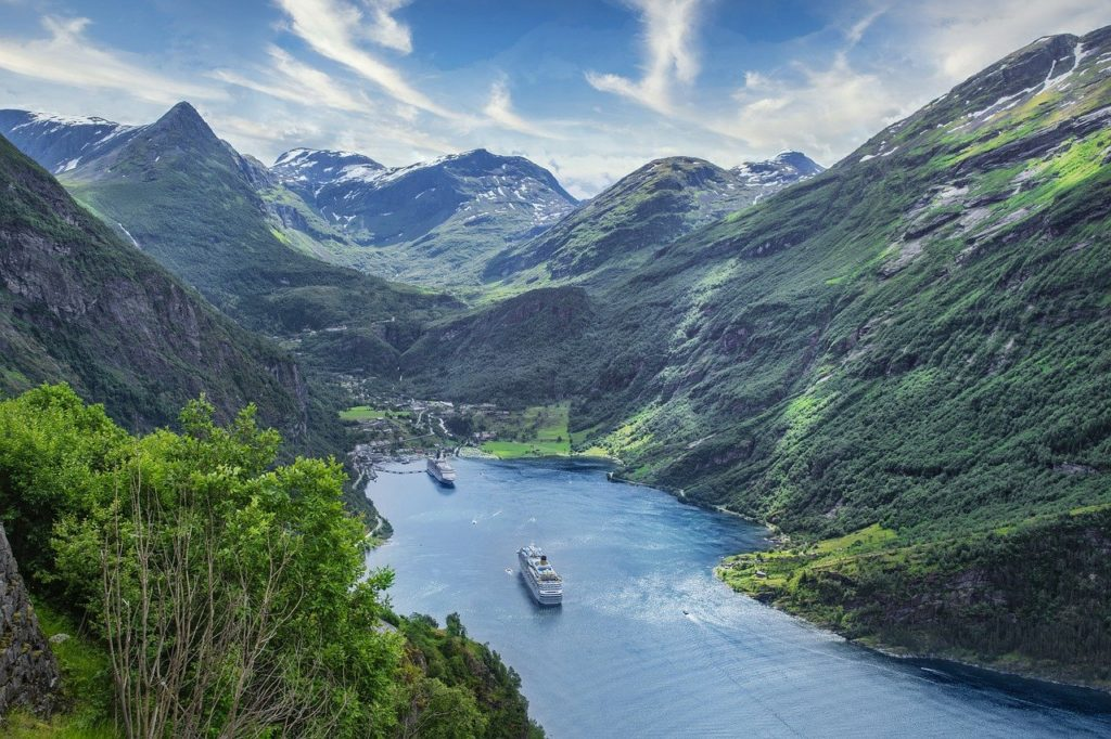 ships, sea, mountains